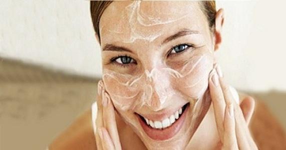 ▷ 3 Mascarillas caseras para el rostro con acné - Las mejores ... c75b769287b0